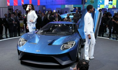 ford-gt-ecoboost-v6-engine-mid-mounted-detroit-auto-show-reveal-doors-design-exterior-performance-2020